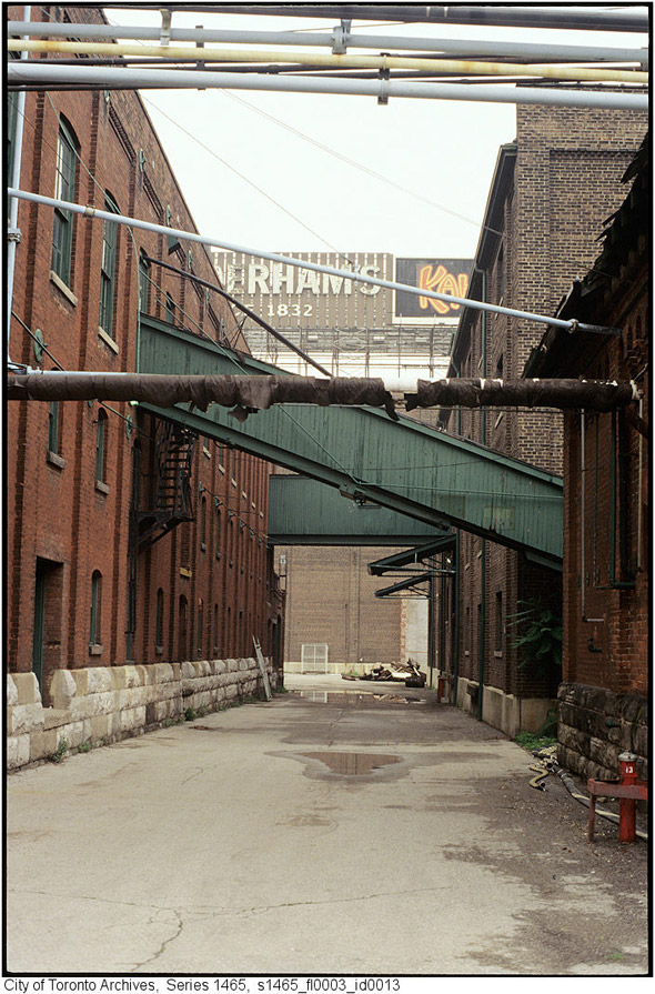 2011617-distillery-1990s-alley2s1465_fl0003_id0013.jpg