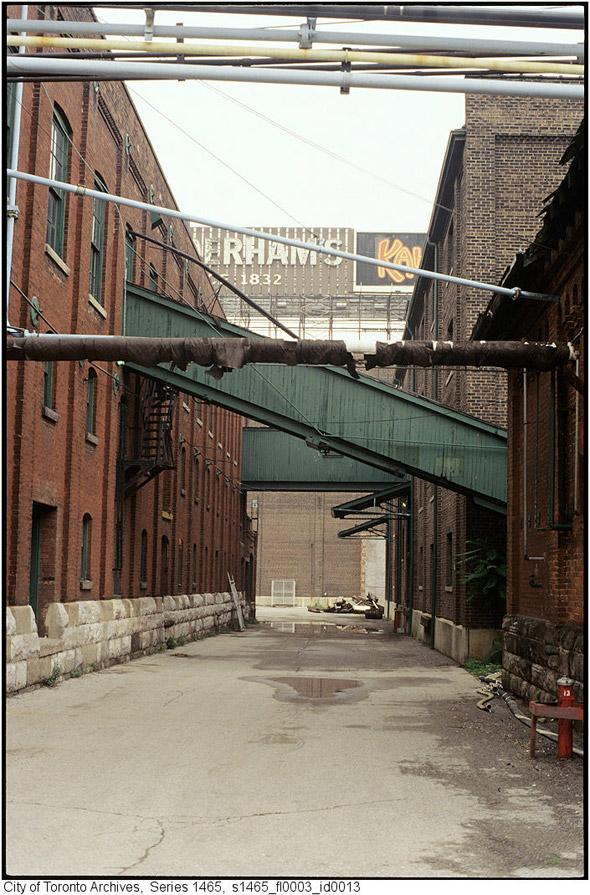 2011617-distillery-1990s-alley2s1465_fl0003_id0013.jpg