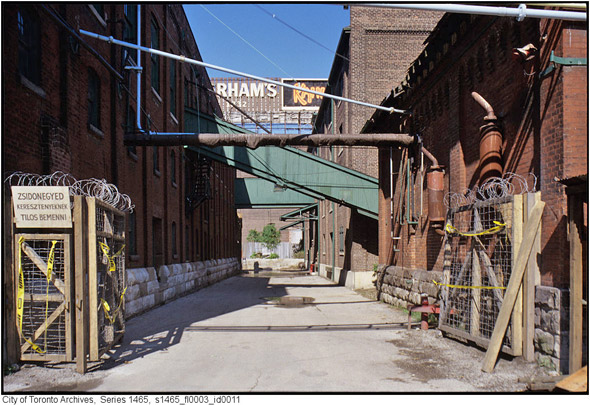 2011617-distillery-alley-1990s-s1465_fl0003_id0011.jpg