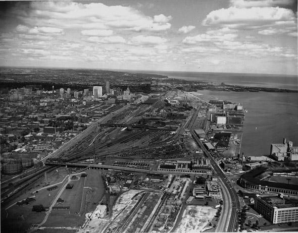 2011915-aerial_Toronto-1940s.jpg