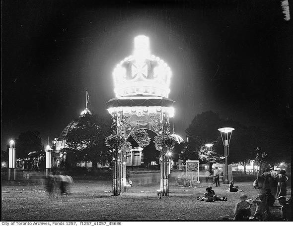 20111026-arch-cne-night-1950s-f1257_s1057_it5686.jpg