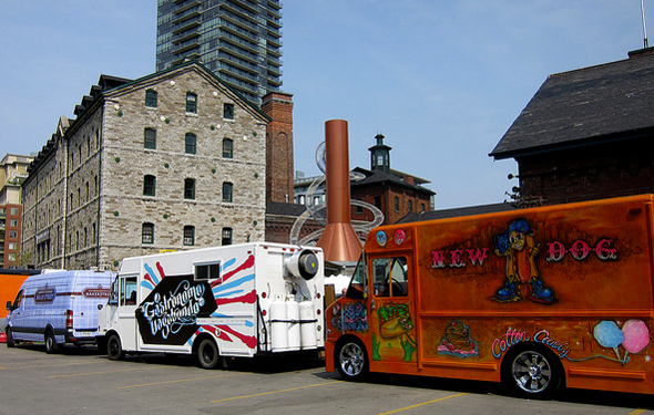 Food Trucks Toronto Yonge Gould