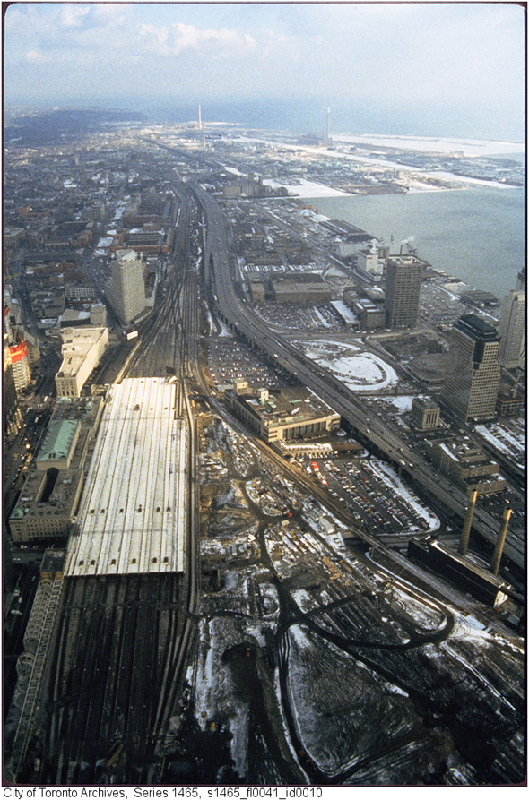 2011113-railway-lands-east-cn-tower-1980s-s1465_fl0041_id0010.jpg