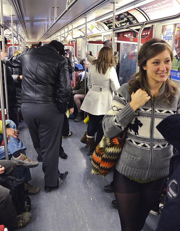 20120109-No-Pants-Subway-Ride-2012--4486-HQ.jpg