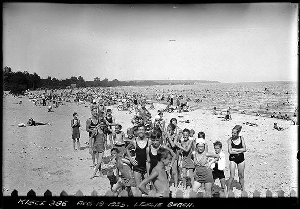 2012110-goss-leslie-beach-1935.jpg