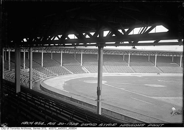 2012110-hanlans-grandstand-1928.jpg