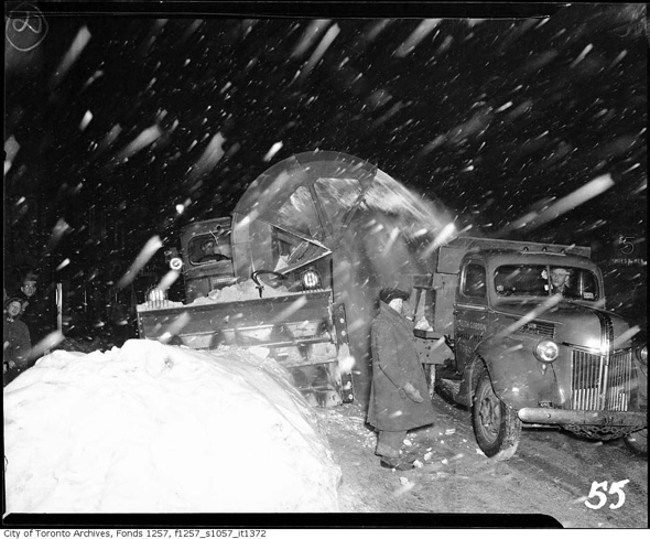 2012113-snow-blower-1943-f1257_s1057_it1372.jpg
