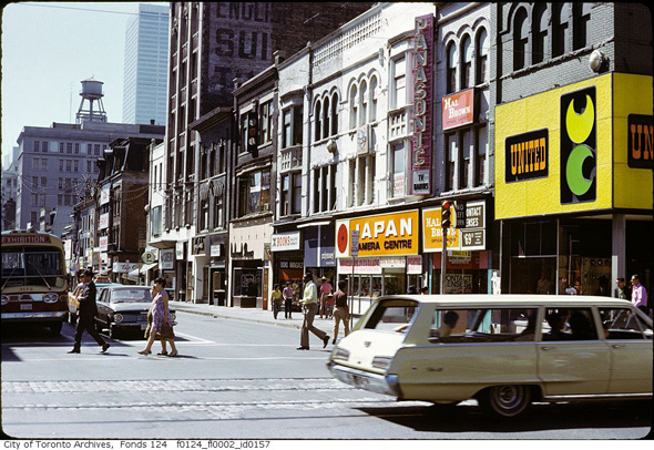 2012123-yonge-temperance-1970s-f0124_fl0002_id0157.jpg