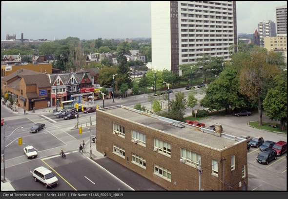 2012425-spadina-harbord-1990s-s1465_fl0213_it0019.jpg