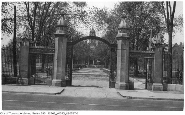 201188-trinity-gates-1926-f1548_s0393_it20527-1.jpg