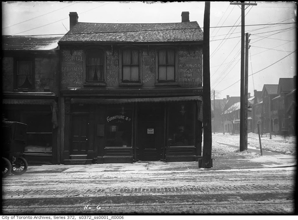 2012510-queen-west-euclid-1900s.jpg