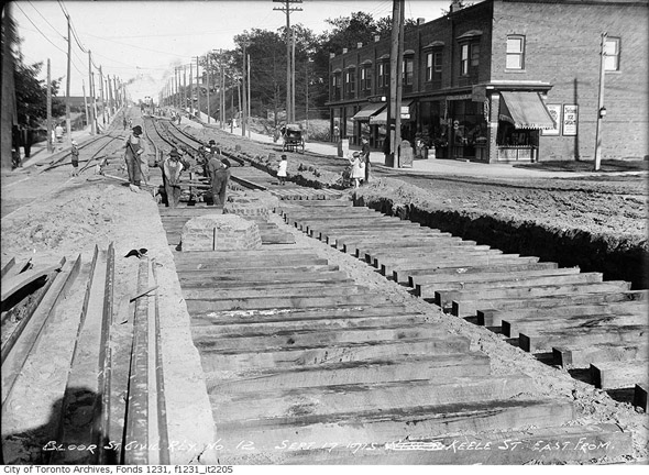 201252-bloor-east-from-keele-1915.jpg