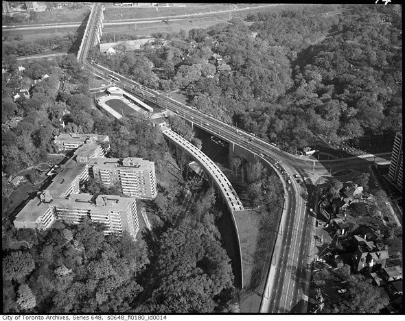 201252-bloor-viaduct-aerial-1965.jpg