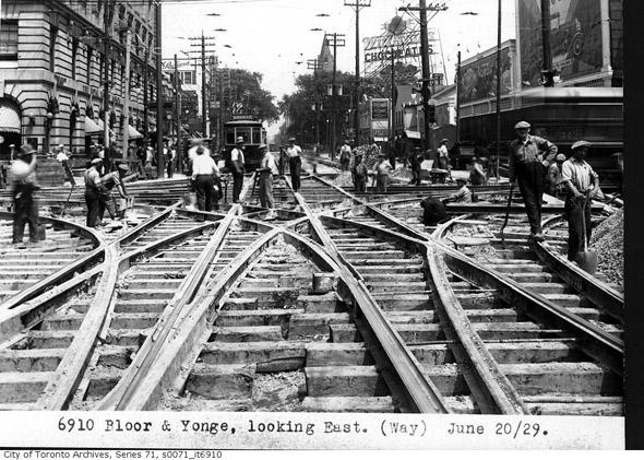 201252-bloor-yonge-1929.jpg