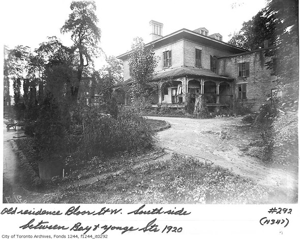 201252-old-house-btw-bay-yonge-1920.jpg