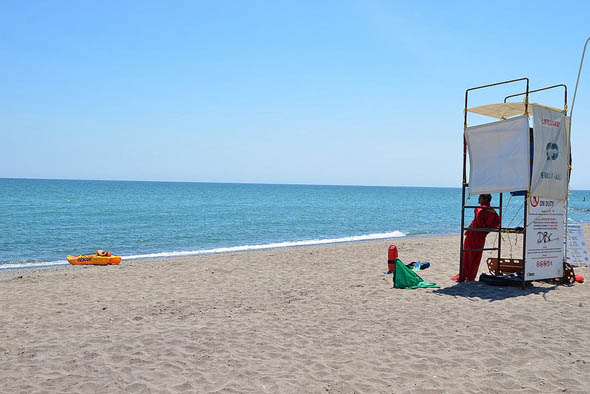 toronto kew beach lifeguard