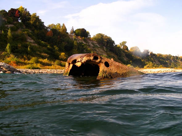 steamer alexandria hull in water