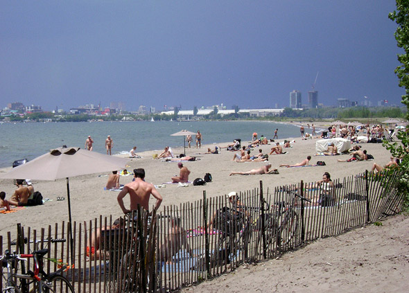 hanlans point beach