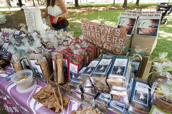trinity bellwoods toronto farmers market