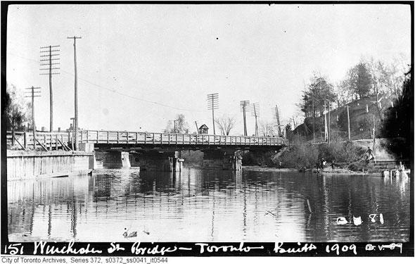 toronto winchester street bridge