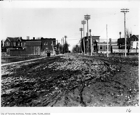 20121112-danforth-approach-broadview-1910s-f1244_it0016.jpg
