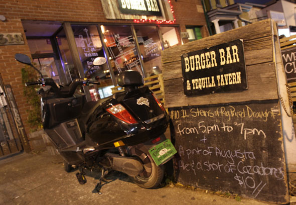 motofo toronto burger bar