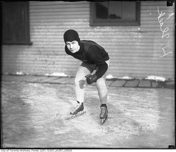 20121211-speed-skater-1930s-f1257_s1057_it3026.jpg