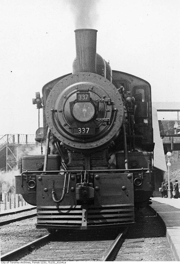 toronto GTR train