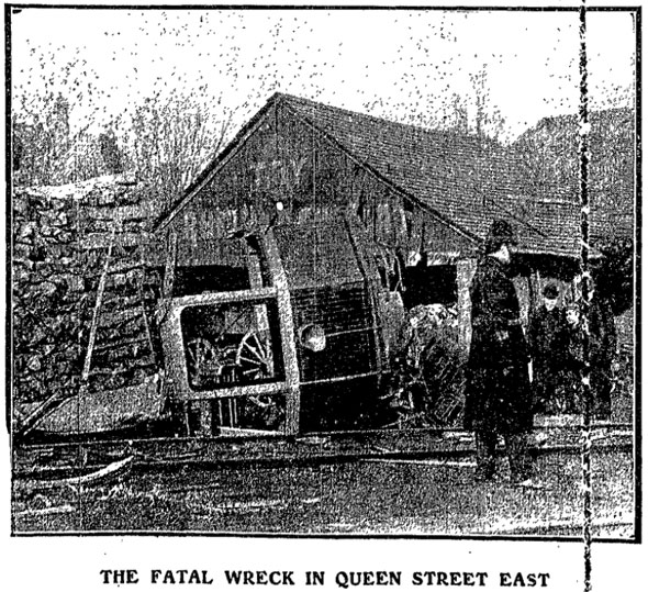 toronto queen street crash