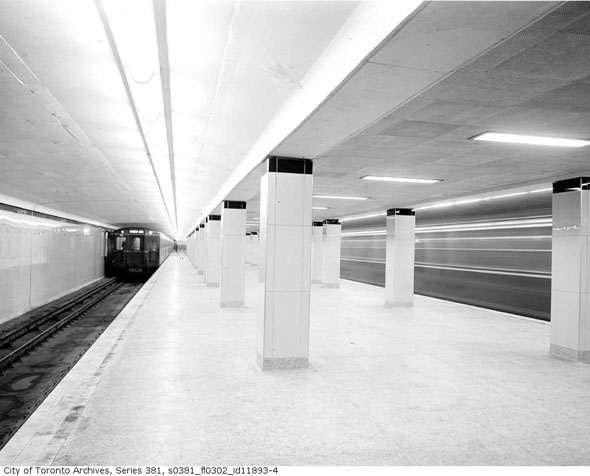 toronto station eglinton