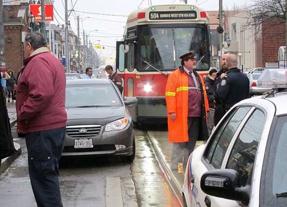 toronto streetcar blockage