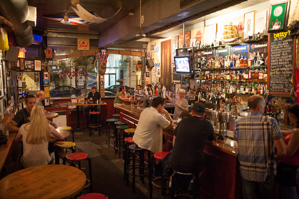 best pubs toronto