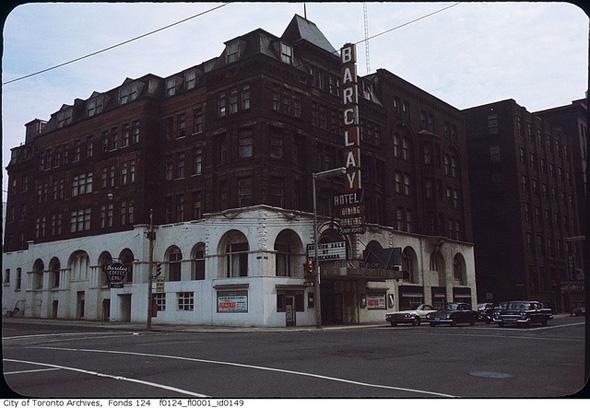 2013430-barclay-hotel-1955-simcoe.jpg
