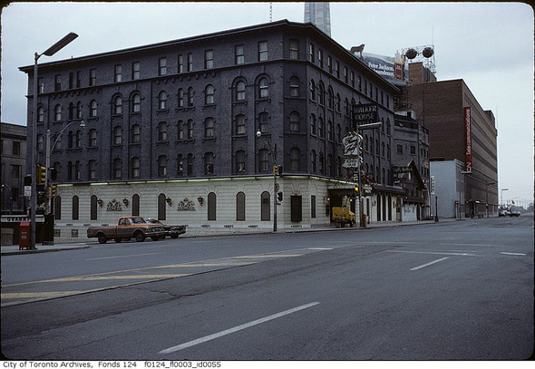 2013430-walker-house-hotel-1975-york.jpg