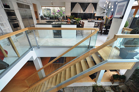 2013521-how-kitch-stairs.jpg