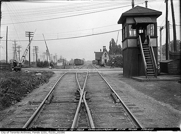 2013913-dav-station-caledonia-1923.jpg