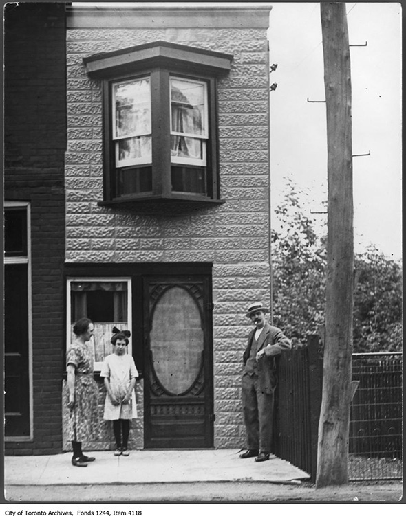 2013913-small-house-dav-albany-ca-1925.jpg