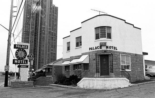 What motels used to look like in Toronto