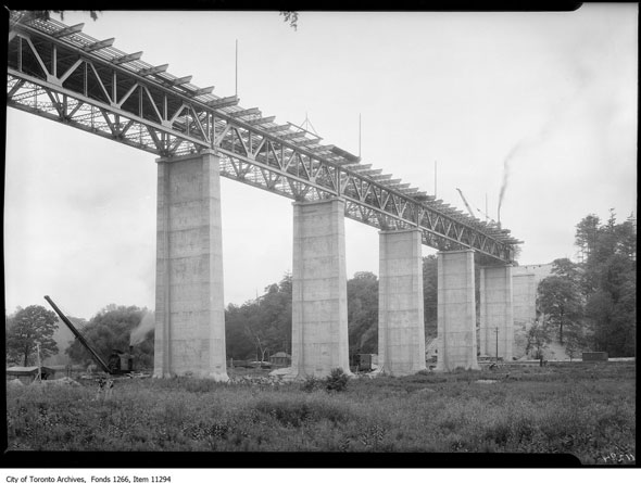 toronto leaside bridge
