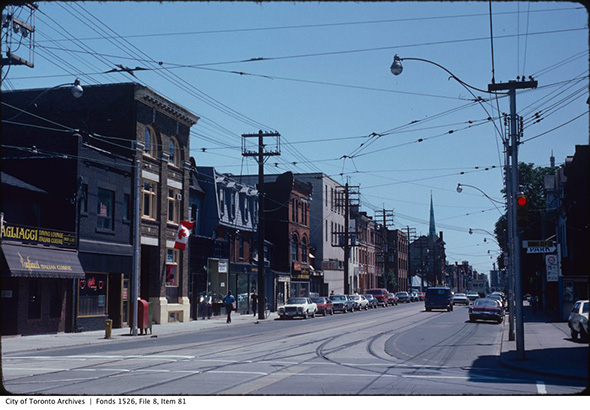 2014115-church-south-dundas-1982.jpg