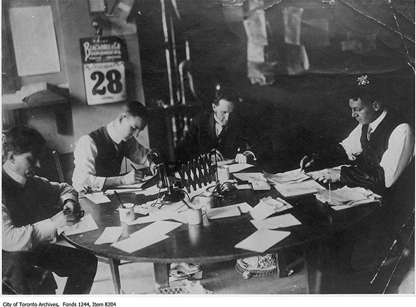2014128-toronto-star-city-desk-1908.jpg