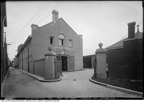 2014213-keele-st-stables-1925.jpg