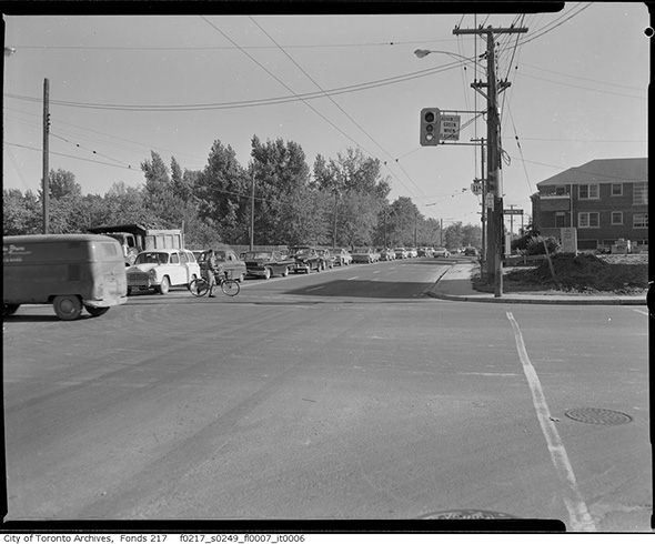 2014319-ave-lawrence-1961.jpg
