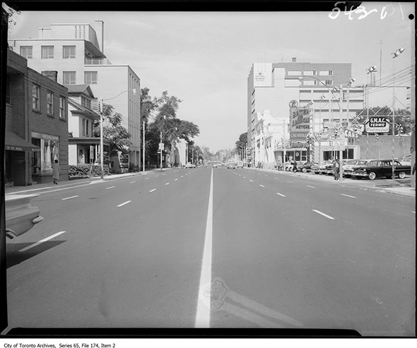 2014319-ave-looking-north-dav-1960.jpg