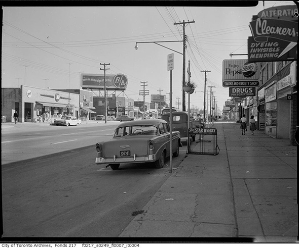 2014319-ave-north-lawrence-1961.jpg
