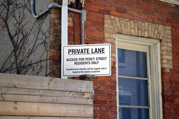 toronto private street