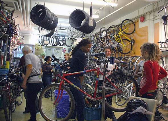 DIY bike repair shops Toronto