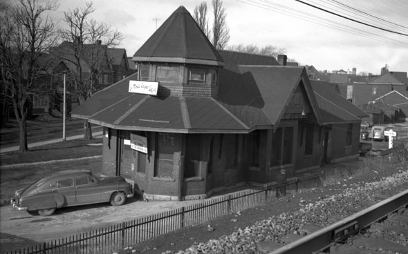 toronto riverdale station
