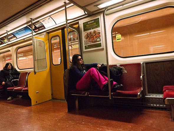 toronto ttc feet seat