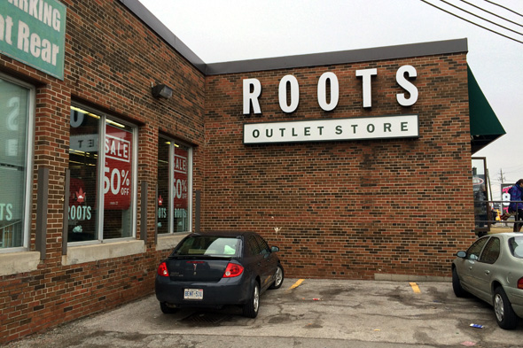 outlet stores toronto